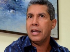 Former Lara Governor Henri Falcon registered his candidacy on Tuesday